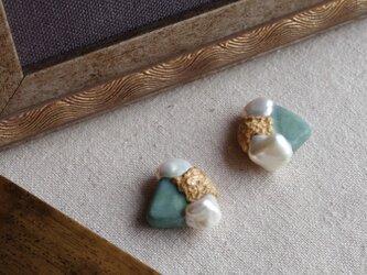 真珠と緑青色の耳飾り ピアス/イヤリング f-99の画像