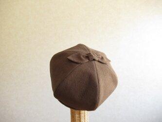 てっぺんにリボンのベレー帽 コットンリネン ブラウンの画像