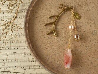 天然石とパールの帯飾り《レッドヘマタイトクォーツ/A》【送料無料】の画像