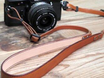 オイルレザーのカメラストラップ(ブラウン)の画像