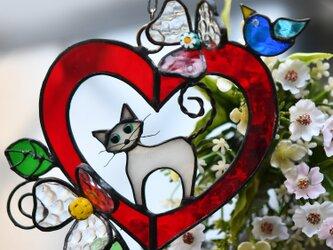 ステンドグラス ネコ ハートの中にの画像