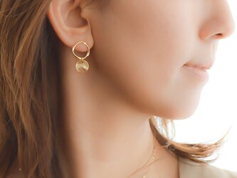 Mobius Strip Pierce(gold)/earringの画像