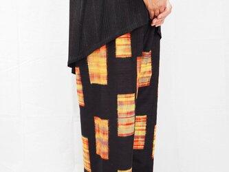 着物リメイク ワイドパンツ 黒の紬の画像