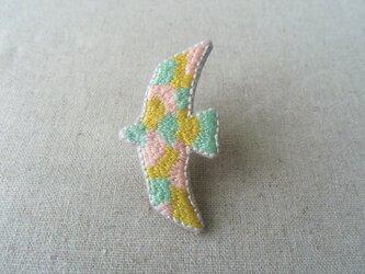 刺繍ブローチ 鳥(黄色)の画像