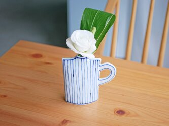 取っ手の付いた しかくの花瓶 「細いストライプとライン」の画像