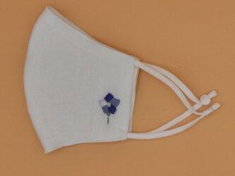刺繍❁ホワイト麻100%立体マスク(調節ゴム・ポケット付き)の画像