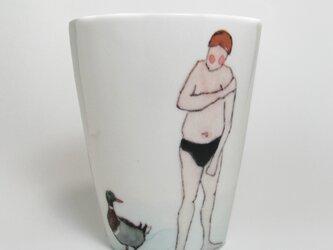イギリス作家の手作りコップ 「スイマーと鴨」の画像