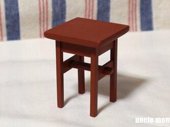 ドール用サイドテーブル(色:レッド) 1/12ミニチュア家具の画像
