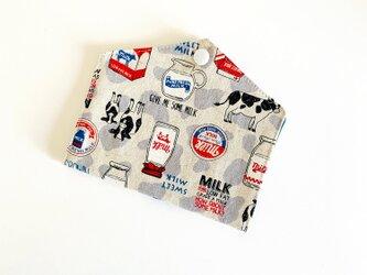 仮置きマスクケース31(牛乳)の画像