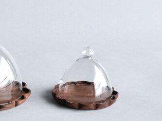 ウォールナットのトレーS+ガラスドームの画像