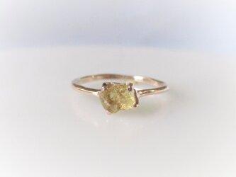グロッシュラーガーネットの原石の指輪(オレンジ)の画像