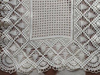 手編みレーステーブルセンター大きさ約35cm角の画像