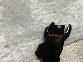七宝 猫 よじ登りブローチの画像