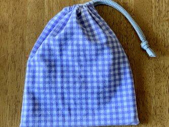 紫チェックの巾着袋の画像