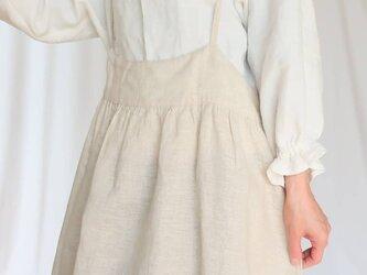春を待つ♡生成りリネン×小花柄♡大人のサスペンダースカート♡ニュアンスたっぷり・ナチュラル系マストアイテム♪の画像