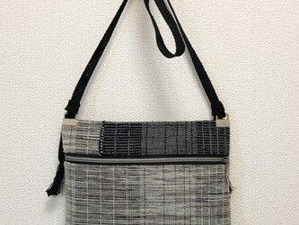 裂き織り フラットなポシェット(サコッシュ)の画像