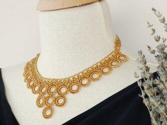 ビーズのネックレス「ビブ・リング」アンティーク・ゴールドの画像