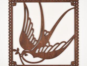 ビッグウッドフレーム「ツバメ」(木の壁飾り)の画像