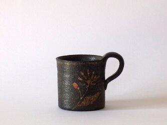 マグカップ(赤絵金彩 野菊)の画像