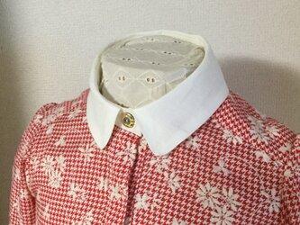 オシャレなレトロシャツ(赤)ビンテージボタン使用の画像