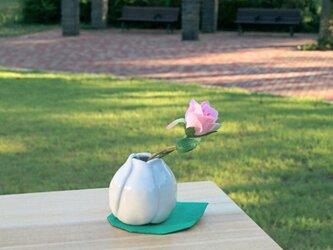 花器 つぼみのばらの画像