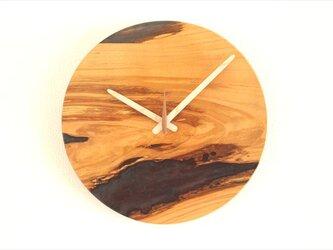 小さな世界が見えるかも? 直径30cm-19 木とレジンの掛け時計 River clockの画像