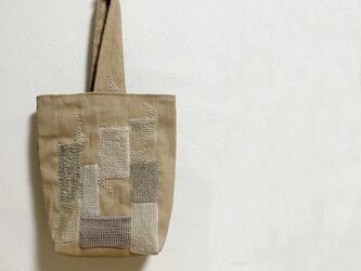 夏物SALE☆手編みモチーフ模様のワンハンドルかばんの画像