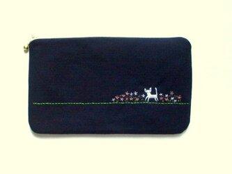 猫刺繍の平ポーチ*お花畑の猫*ピンクの画像