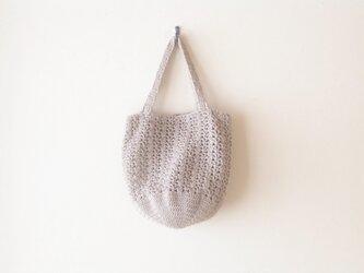 透かし編みのバッグ(麻色)の画像
