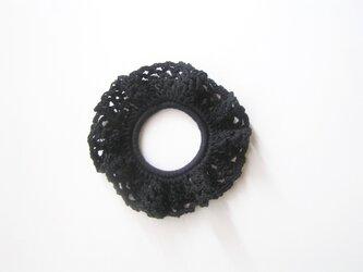 コットン糸のシュシュ(黒)の画像