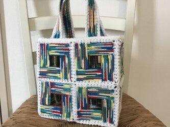 ネット編みのグラデーションバッグの画像