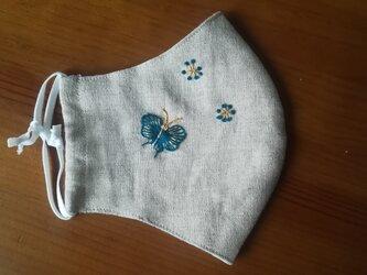 手刺繍☆きれいな横顔☆リネンの立体マスク(蝶々、青緑)の画像