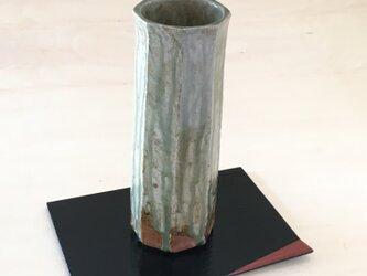 灰釉面取り花器の画像