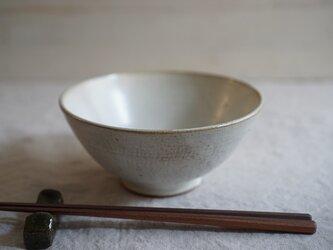月下白の大きなごはん茶碗 No.904の画像