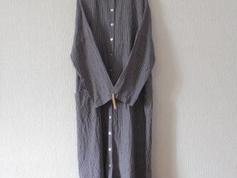 リネンのコートワンピース 紺紫の画像