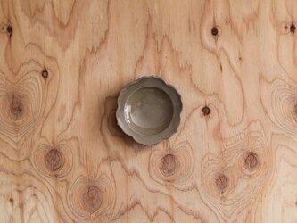 稜花豆皿 グレージュの画像