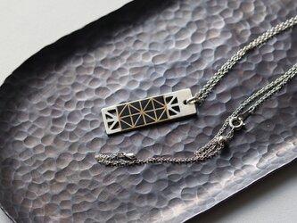 鍛金蒔絵 純銀ネックレス   [  三つ鱗  ]の画像