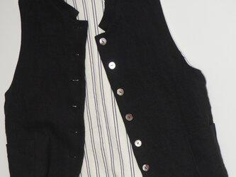 リネン衿付きベストの画像
