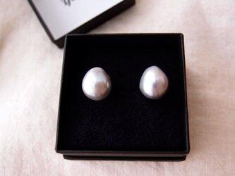 【silver】大粒グレーバロックパールのイヤリング14mm/Baroque pearl・largeの画像