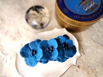 フラワーモチーフのバレッタ ■ フェイクレザー BIG FLOWER ■ ブルーの画像