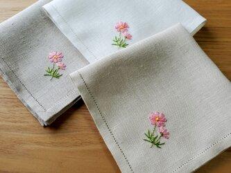 乙女のコスモス 手刺繍仕立てのハンカチ*ネーム刺繍/サイズオーダー*の画像
