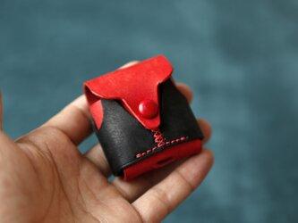 【可愛いベスト】AirPodsケース 赤+黒 本革 ワイヤレスイヤホンケースの画像