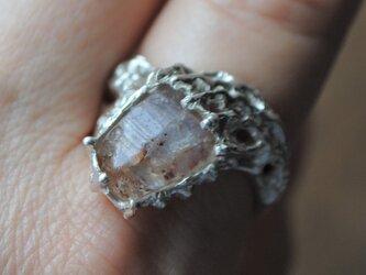 「輝きのしぶき」サンストーン原石リングの画像