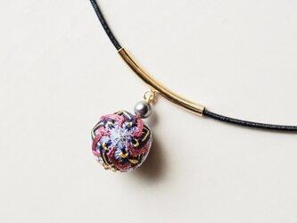 手毬ネックレス(ねじり菊)の画像