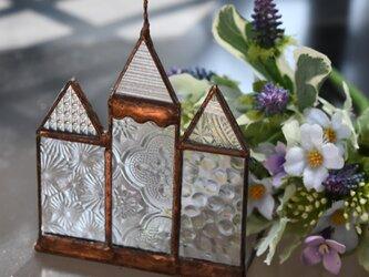 ステンドグラス アンティークな教会とお家の画像