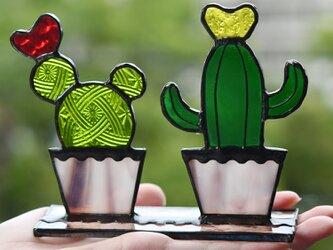 ステンドグラス 可愛いサボテンの画像