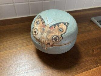 蝶の陶箱 patrinia 様オーダーの画像