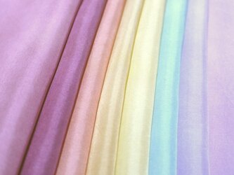 (Q)正絹 胴裏 手染め8枚 8色 はぎれセット つまみ細工用布・吊るし飾りにの画像