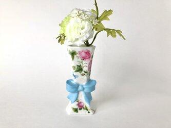 薔薇とブルーの蝶々♡リボンの一輪挿しの画像