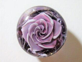 《アメジストローズ》 帯留め ガラス とんぼ玉 着物 浴衣 バラ 薔薇の画像